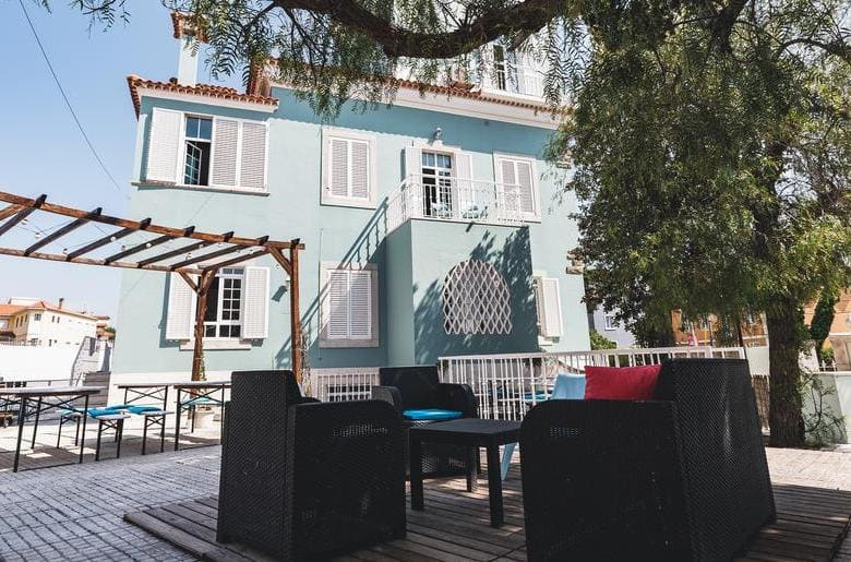 Blue Boutique Hostel and Suites
